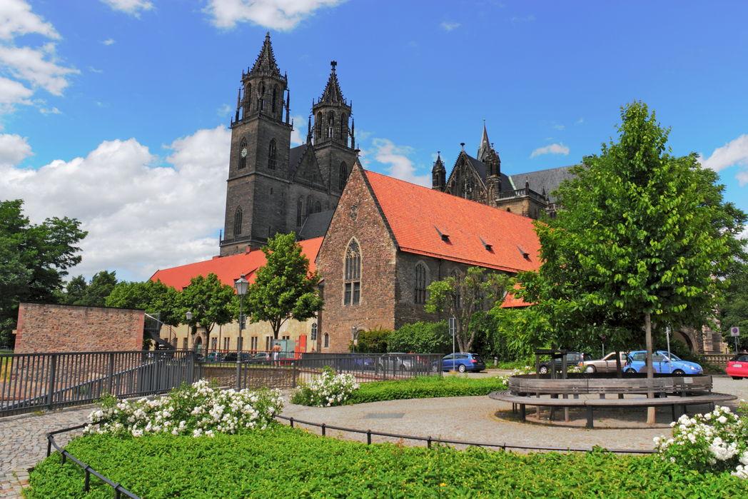 Bastion Cleve mit Magdeburger Dom [Foto von ArTo - Fotolia]