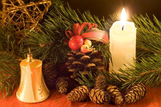 Weihnachtsgesteck Quelle: stoupa - Fotolia