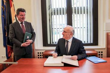 Magdeburgs Oberbürgermeister Dr. Lutz Trümper und  der Botschafter Frankreichs, S.E. Philippe Etienne, Foto: Landeshauptstadt Magdeburg