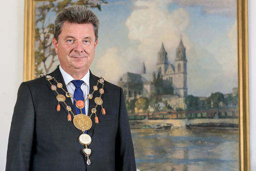 OB Dr. Lutz Trümper mit Amtskette Foto von Viktoria Kühne