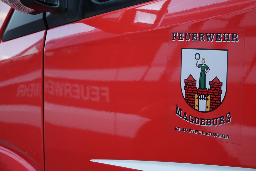 Autotür der Feuerwehr Magdeburg