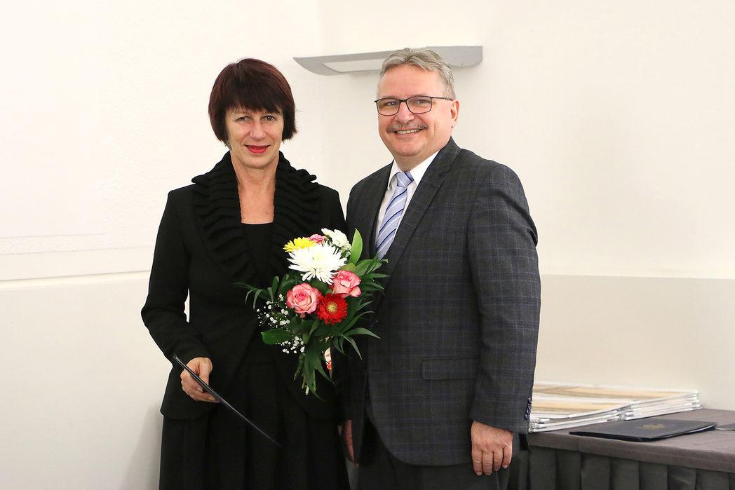 Carmen Niebergall und Bürgermeister Klaus Zimmermann
