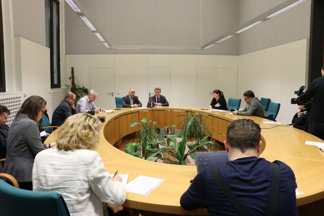 Pressekonferenz zum Coronavirus im Hasselbachsaal