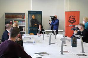 Grußwort der Beigeordneten für Kultur, Schule und Sport Regina-Dolores Stieler-Hinz zur Buchpräsentation im Lesesaal des Stadtarchivs