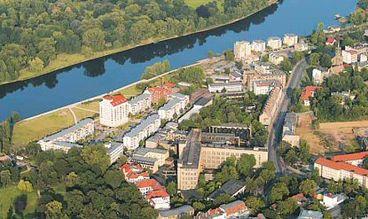 Blick auf das nördliche Buckau mit Klosterbergegarten und Rotehornpark