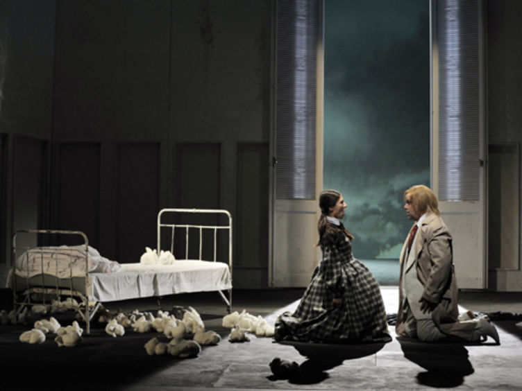 "Opernhaus mit ""Lucia di Lammermoor"" © Theater Magdeburg"
