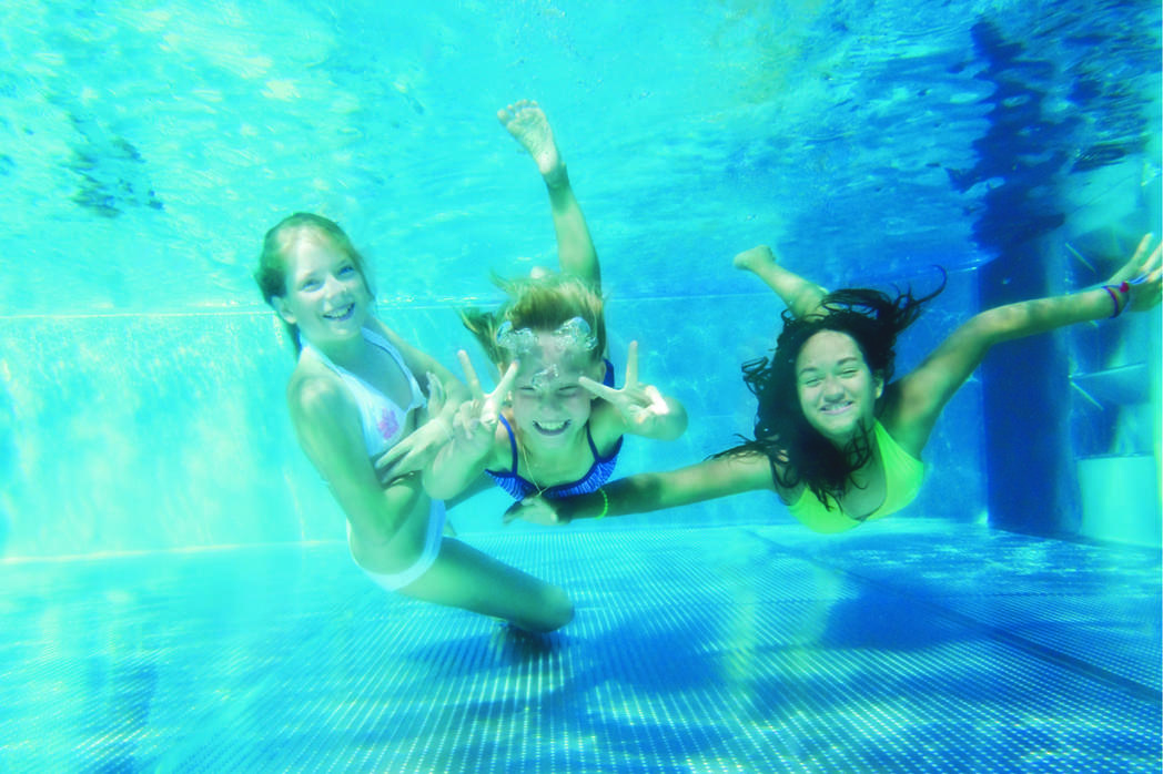 Kinder unter Wasser ©Nemo Magdeburg