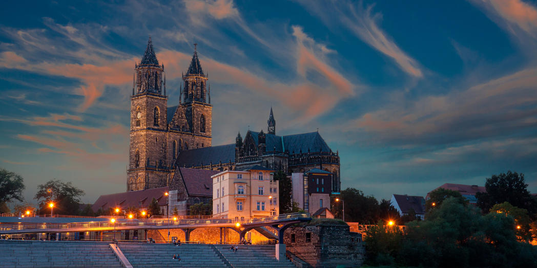 4. Magdeburger Dom mit Elbe © Fotolia Foto von Uwe Graf