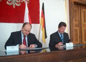 Vertragsunterzeichnung im Standesamt von Radom