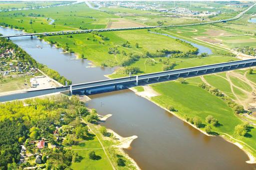Die längste Kanalbrücke der Welt © W. Klapper